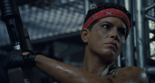 Jenette Goldstein in Aliens 2 Vasquez la guerriera bodybuilder.