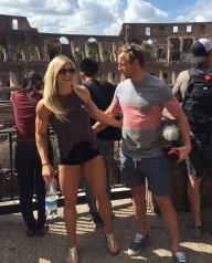 2017 ragazza gladiatrice dentro il colosseo roma