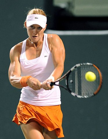 Samantha Stosur of Australia returns a ball to Azarenka of Belarus, during their match at the Sony Ericsson Open on Key Biscayne, Florida, USA, 31 March 2009. EPA/ANDREW GOMBERT +++(c) dpa - Bildfunk+++