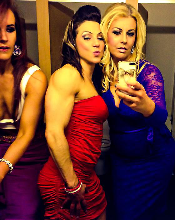 Ragazza prom make up abiti più trendy e tendenza discoteca colore Rosso, 2017 fashion trend consigli di stile per ragazze di successo, 2017 abiti sexy discoteca ragazze trendy, tumblr girl