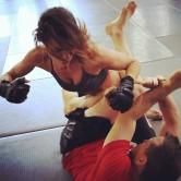 Elisabetta Canalis - Kick Boxe e Muscoli d'Acciaio