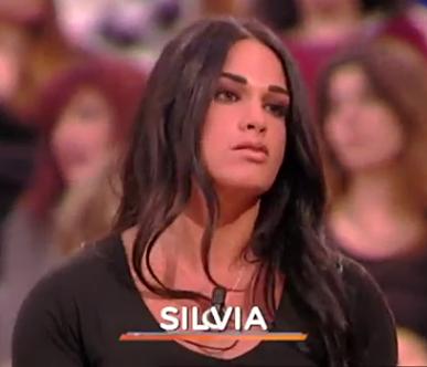Lo Sportello di Forum Silvia la culturista romana dal fascino potenziato ultra sexy