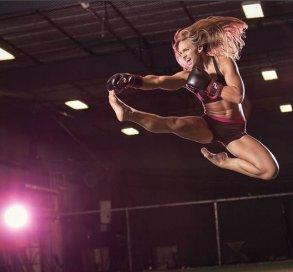 ragazza arti marziali e body building