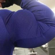 Ragazza 24 anni stanca di abusi e bullismo diventa una culturista di 95kg con un bicipite ultra sexy da 51cm